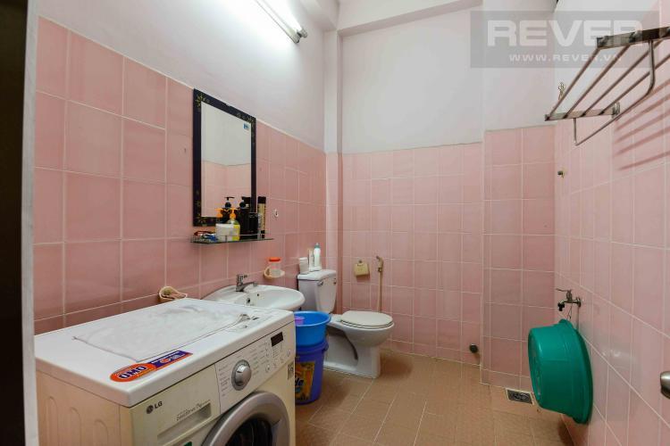 Toilet 2 Cho thuê nhà đường Quốc Hương, 2 lầu 4PN 3WC, hướng Đông Bắc, đầy đủ nội thất