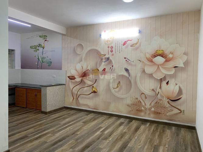 Căn hộ chung cư Ba Son tầng thấp hướng Đông, nội thất cơ bản.