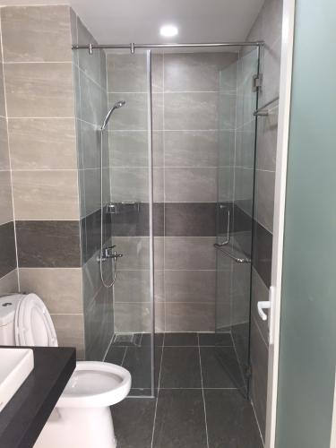 Phòng tắm Kingston Residence, Phú Nhuận Căn hộ Officetel Kingston Residence view thoáng mát và đón sáng.