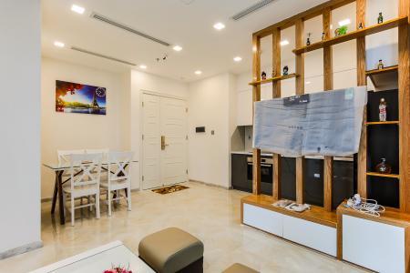 Căn hộ Vinhomes Golden River tầng thấp 2 phòng ngủ tòa Aqua 3, nội thất đầy đủ