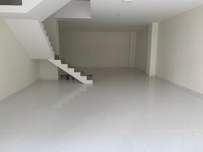 Shophouse Safira Khang Điền nội thất cơ bản, diện tích 150m2.
