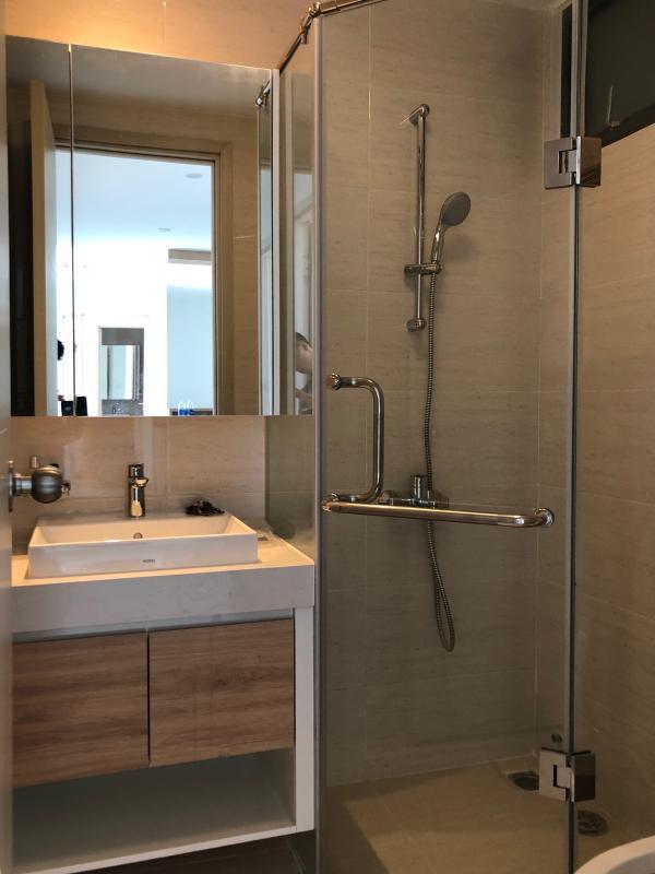 IMG-2111 Bán hoặc cho thuê căn hộ New City Thủ Thiêm 3PN, tầng 20, tháp Venice, nội thất cơ bản, view hồ bơi và sông Sài Gòn