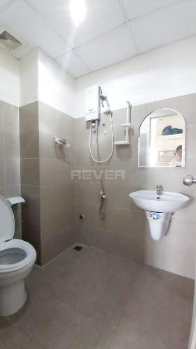 Phòng tắm Sunview Town, Thủ Đức Căn hộ Sunview Town tầng thấp, đầy đủ nội thất.