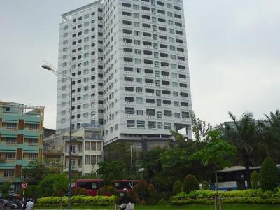 International Plaza