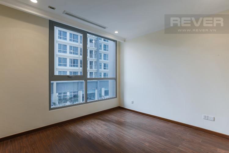 Phòng Ngủ 1 Căn hộ Vinhomes Central Park 3 phòng ngủ tầng thấp L5 view hồ bơi