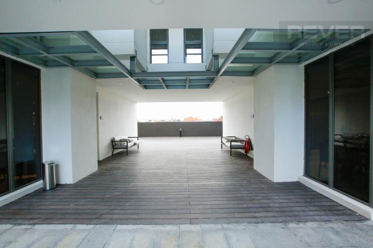 Sân Hồ Bơi Căn hộ Nassim Thảo Điền nằm ở tầng cao, tháp B, gồm 2 phòng ngủ, view sông