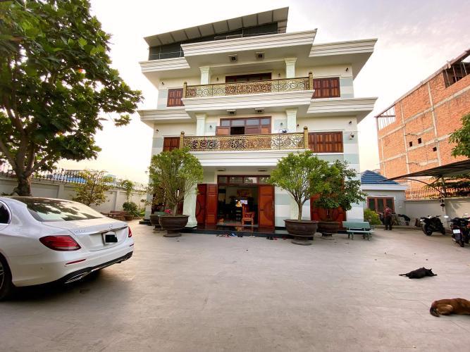 Bán biệt thự 6 phòng ngủ đường Tăng Nhơn Phú B, quận 9, đã có sổ hồng, pháp lý minh bạch