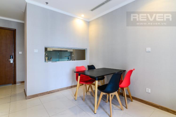 Phòng Ăn Bán và cho thuê căn hộ Vinhomes Central Park tầng trung, 1PN, đầy đủ nội thất