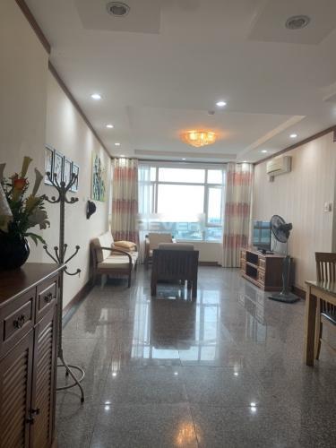 Căn hộ chung cư Hoàng Anh Gold House đầy đủ nội thất, view thoáng mát.