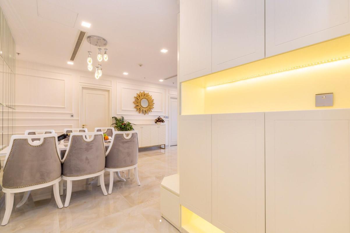 1571470394212 Bán hoặc cho thuê căn hộ Vinhomes Golden River 3PN, đầy đủ nội thất, view sông Sài Gòn và bán đảo Thủ Thiêm