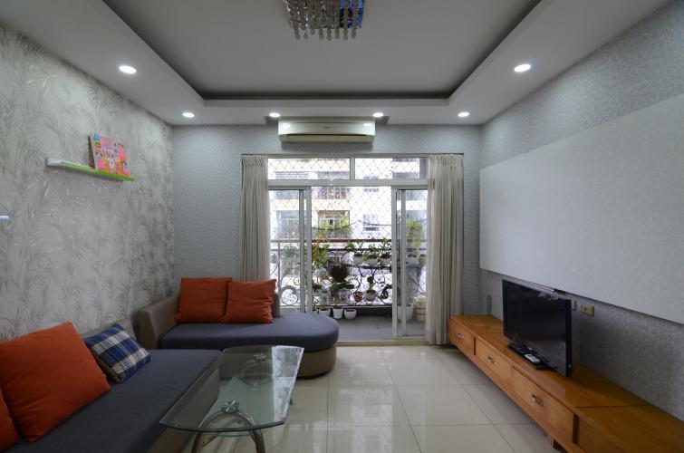 Phòng khách căn hộ The Flemington, Quận 11 Căn hộ The Flemington ban công Đông Nam, view nội khu thoáng mát.