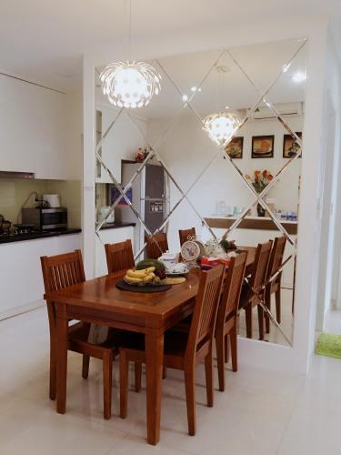 Phòng bếp căn hộ Star Hill Phú Mỹ Hưng, Quận 7 Căn hộ Star Hill Phú Mỹ Hưng tầng thấp có ban công, nội thất đầy đủ.