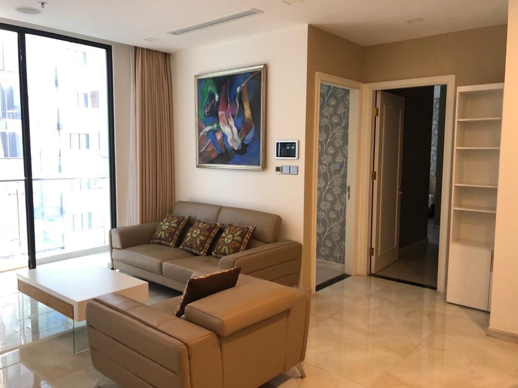 Phòng khách Cho thuê căn hộ Vinhomes Golden River 2PN, tháp The Luxury 6, diện tích 77m2, đầy đủ nội thất, hướng Tây Nam