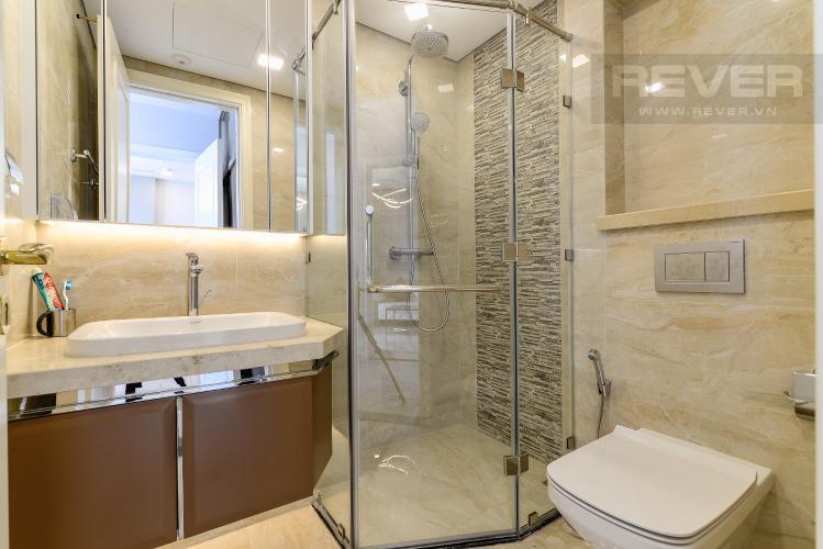 Phòng Tắm 2 Cho thuê căn hộ Vinhomes Golden River tầng trung, 2PN 2WC, đầy đủ nội thất, view Landmark 81