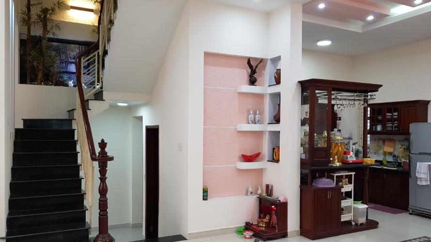 Không gian nhà phố Quận Gò Vấp Nhà phố hướng Đông 1 trệt 2 lầu có sân thượng, sổ hồng đầy đủ.