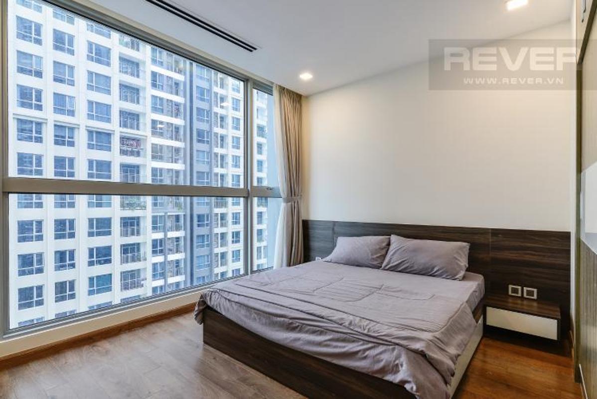 Phong ngu Master 1 Bán căn hộ Vinhomes Central Park 2PN, diện tích 72m2, đầy đủ nội thất, view sông và công viên