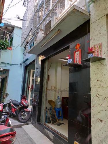 Bán nhà cách Vòng xoay An Dương Vương - Trần Phú hơn 200m, sổ hồng đầy đủ.