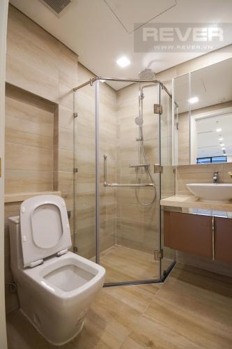 Phòng Tắm 1 Bán hoặc cho thuê căn hộ Vinhomes Golden River 3PN, tầng thấp, tháp The Aqua 2, nội thất cơ bản