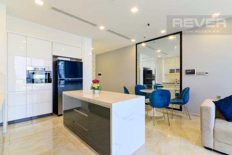 Nhà Bếp Bán hoặc cho thuê căn hộ Vinhomes Golden River 2PN tầng trung, đầy đủ nội thất, view sông Sài Gòn và Landmark 81