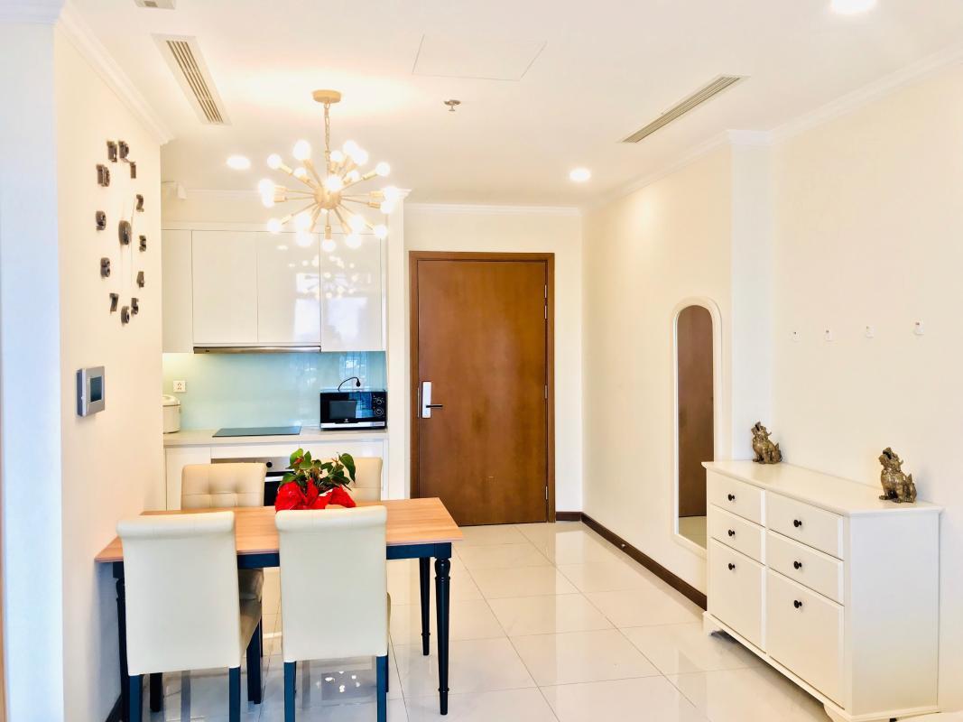 4c76890fe811114f4800 Cho thuê căn hộ Vinhomes Central Park 1PN, tháp Landmark Plus, đầy đủ nội thất, view thành phố
