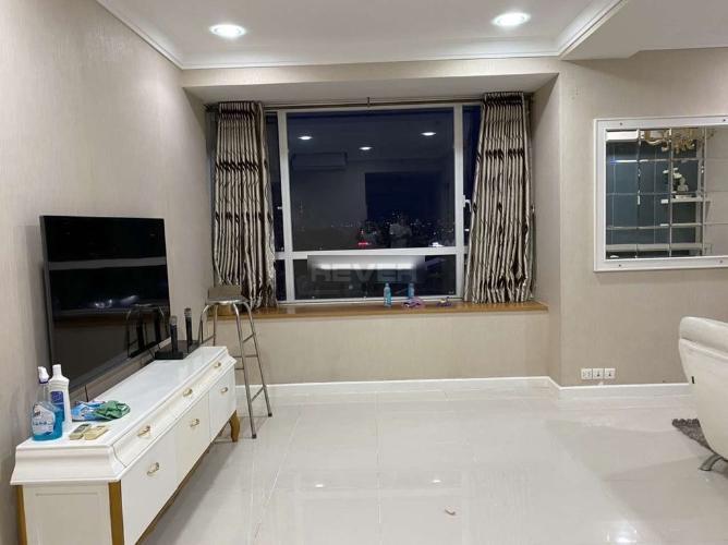 Căn hộ Sunrise City nội thất sang trọng, view nội khu hồ bơi.