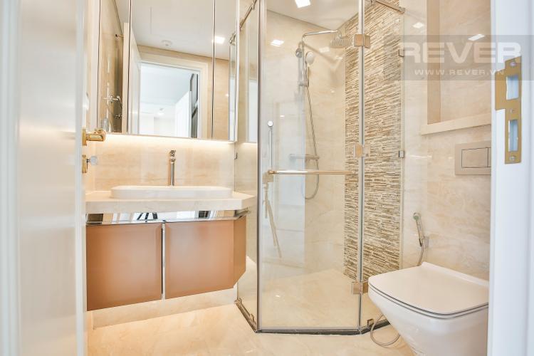 Toilet 2 Căn hộ Vinhomes Golden River 2 phòng ngủ tầng trung A4 view sông