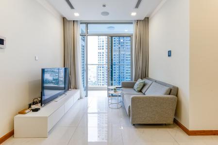 Căn hộ Vinhomes Central Park tầng trung P6, 2 phòng ngủ, nội thất đầy đủ