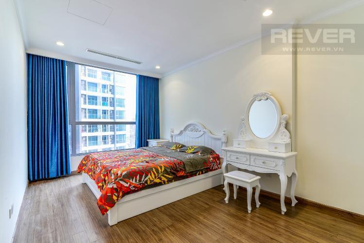 Phòng Ngủ 2 Cho thuê căn hộ Vinhomes Central Park tầng cao, 2PN đầy đủ nội thất, view nội khu