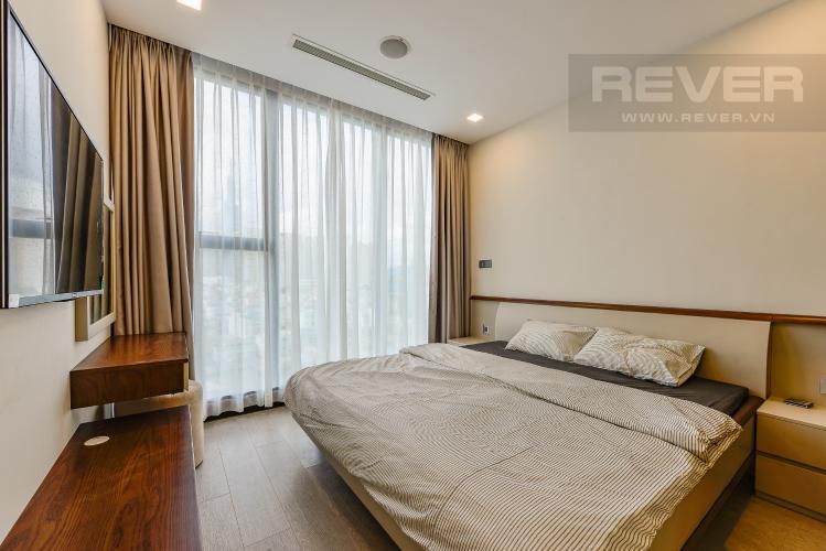 Phòng ngủ 1 Căn hộ Vinhomes Golden River tầng thấp tòa Aqua 4, 73,3m2, 2 phòng ngủ, full nội thất