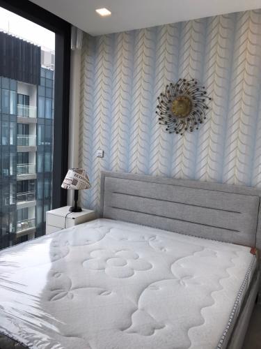 Phòng ngủ căn hộ Vinhomes Golden River Bán căn hộ Vinhomes Golden River tầng cao, diện tích 68m2 - 2 phòng ngủ, đầy đủ nội thất.
