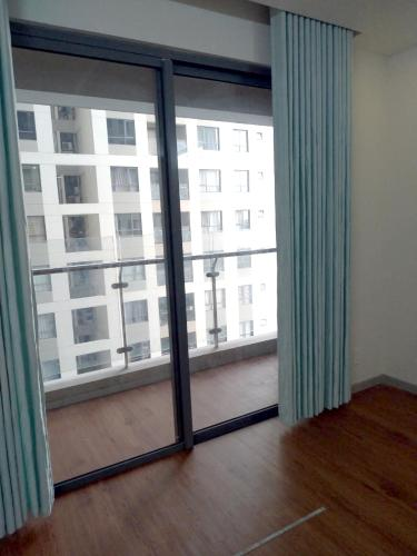 Ban công phòng khách căn hộ THE GOLD VIEW Bán hoặc cho thuê căn hộ officetel The Gold View 1PN, diện tích 63m2, nội thất cơ bản, view nội khu