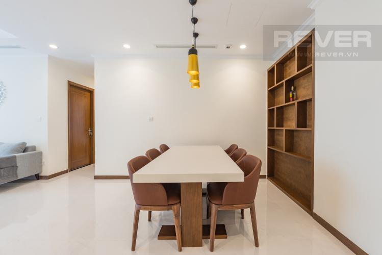 Bàn ăn Cho thuê căn hộ Vinhomes Central Park 3PN, tầng 37 tháp Landmark 5