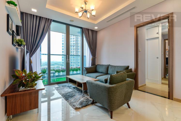 Phòng Khách Cho thuê căn hộ Vinhomes Central Park tầng cao, 2PN với hệ thống nội thất tiện nghi, sang trọng