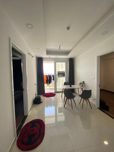 Cho thuê căn hộ 2 phòng ngủ Saigon Mia, nội thất cơ bản