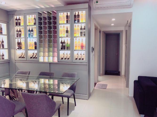Cho thuê căn hộ RiverGate Residence thuộc tầng trung, 2 phòng ngủ, diện tích 90m2, đầy đủ nội thất