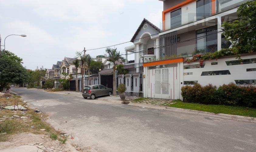 Lối Vào Biệt thự 6 phòng ngủ Đường Số 6B Quận Bình Tân