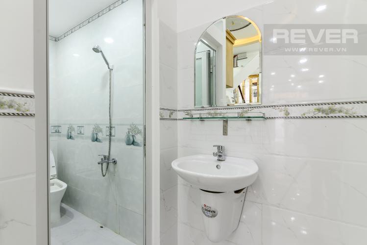 Phòng Tắm 3 Bán nhà phố 2 tầng, 4PN, đường nội bộ Bùi Quang Là, nằm trong khu vực an ninh, yên tĩnh