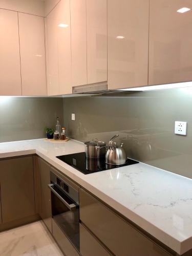 Phòng bếp Vinhomes Central Park Căn hộ Vinhomes Central Park đầy đủ nội thất, tầng trung.