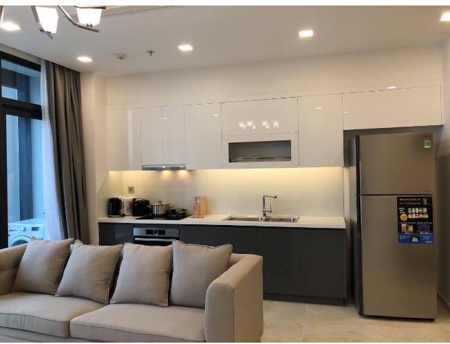Cho thuê căn hộ 3 phòng ngủ Vinhomes Golden River, diện tích 101.4m2, thiết kế hiện đại, dọn vào ở ngay.