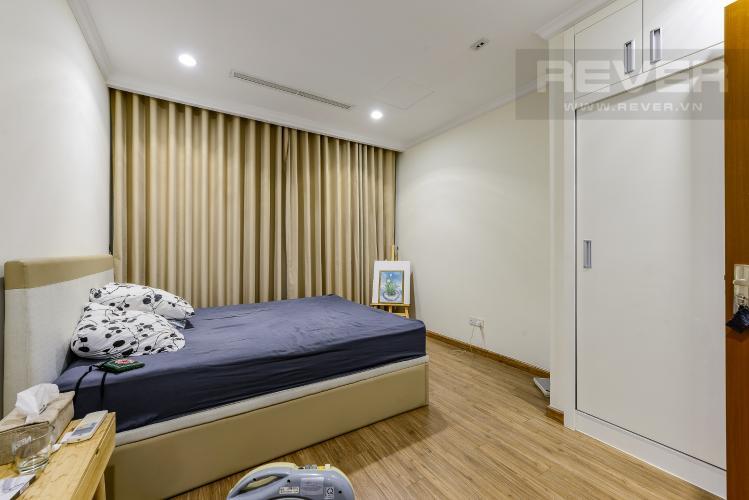 Phòng ngủ 1 Cho thuê căn hộ Vinhomes Central Park tầng trung, tháp Landmark 2, đầy đủ nội thất