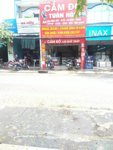 Đường trước mặt bằng đường Lê Văn Lương, Quận 7 Mặt bằng kinh doanh Lê Văn Lương quận 7 - vị trí đẹp