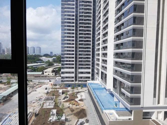 View căn hộ Kingdom 101, Quận 10 Căn hộ Kingdom 101 view nội khu thoáng mát yên tĩnh, hướng Đông.