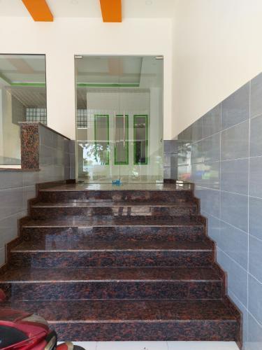 Nhà phố Tam Bình, Thủ Đức Nhà nguyên căn mặt tiền Thủ Đức, thích hợp mở văn phòng kinh doanh.