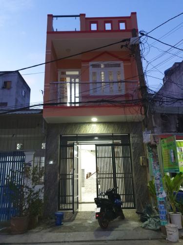 mặt tiền nhà Nhà phố mặt tiền đường nhựa, bàn giao sổ hồng riêng đầy đủ.