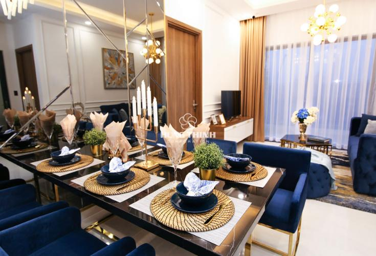 Nội thất phòng ăn Căn hộ Q7 Saigon Riverside nội thất cơ bản nhìn ra đường phố.
