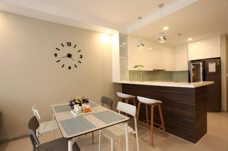 bàn ăn căn hộ The Gold View Căn hộ The Gold View đầy đủ nội thất sang trọng, view sông mát mẻ.