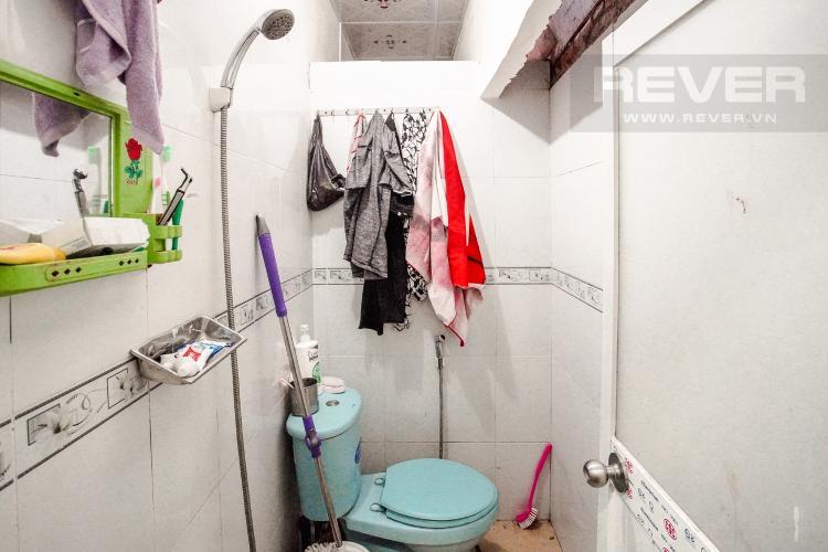Phòng vệ sinh tầng trệt Bán nhà nằm tại địa chỉ 156/50 Nguyễn Thị Thập, diện tích sử dụng 65,9m2, view nội khu