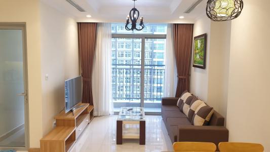 Cho thuê căn hộ Vinhomes Central Park 2PN, tầng cao, đầy đủ nội thất, view hồ bơi và đường Nguyễn Hữu Cảnh