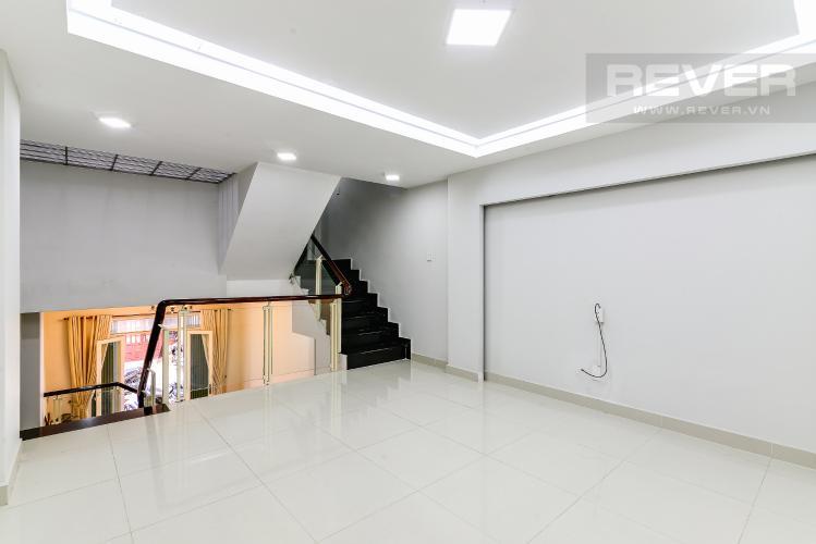 Tầng Lửng Cho thuê nhà phố 3 phòng ngủ, đường Chu Văn An, Quận Bình Thạnh