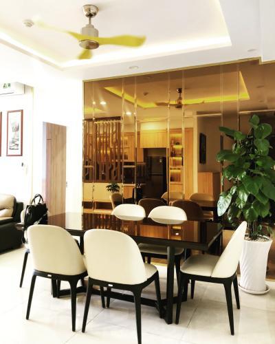 Phòng khách căn hộ Bán căn hộ sunrise CityView 3 phòng ngủ thuộc căn góc, diện tích 104m2